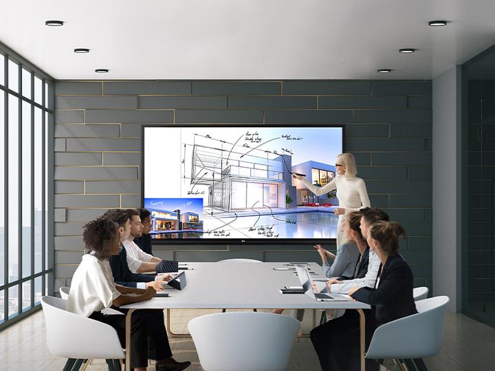 Medium Room - Interactive